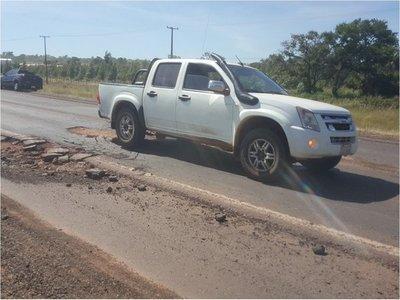 Enormes baches sobre ruta 5 ponen en peligro a los conductores
