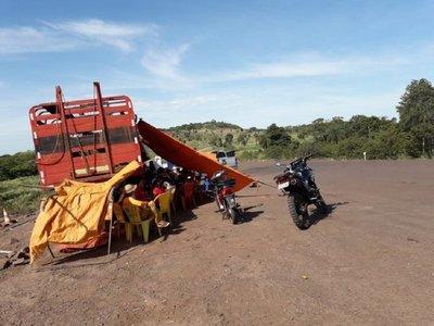Manifestación obstaculiza trabajos de pavimentación en Canindeyú