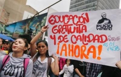 Colombia: Gobierno pacta con estudiantes invertir 1.418 millones de dólares