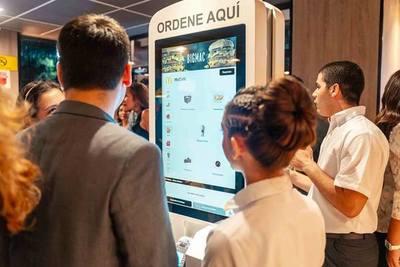McDonald's Py brinda a sus clientes una experiencia del futuro con los kioscos de autogestión