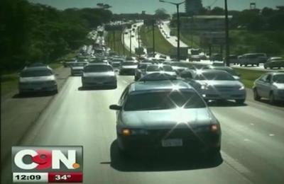 Trabajadores del volante se manifiestan en contra de Uber y Muv