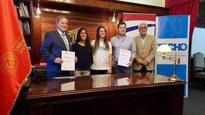 """MUVH firmó acuerdo cooperativo con """"Techo Paraguay"""""""