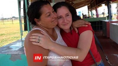 REENCUENTRO ENTRE MADRE E HIJA TRAS 23 AÑOS EN CAMBYRETÁ