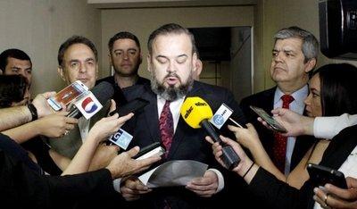 """Cartes no acudió ante la """"comisión Messer"""" y lo llamarán vía judicial"""