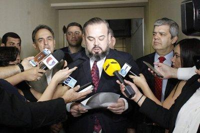 """""""Se pone a disposición a pesar de irregularidades"""""""
