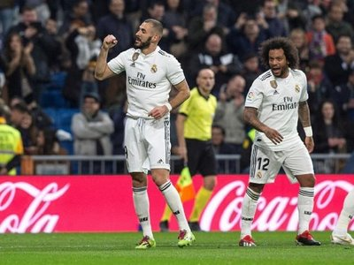 Benzema alivia a un Real Madrid sin confianza