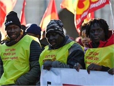 Miles de personas se manifestaron en Roma por los derechos de los inmigrantes
