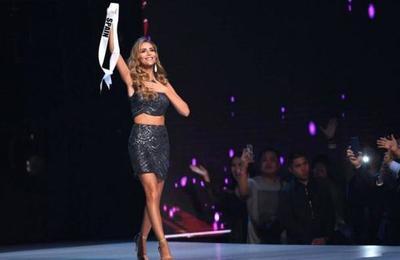 Ángela Ponce recibió un emotivo homenaje por parte de Miss Universo
