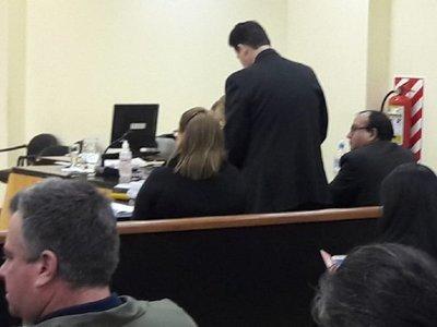 Anulan condena mínima de dos años a cura hallado culpable de abuso