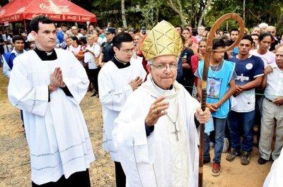 Obispo critica abusiva explotación del oro y deforestación de reservas