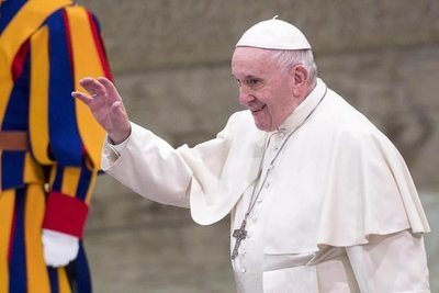Renuncia obispo de EE.UU. acusado de conducta indebida con un menor