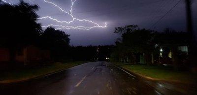 Meteorología alerta por tormentas a 11 departamentos