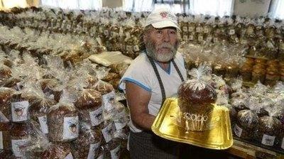 Papá Noel va a regalar 10 mil pan dulces ashá