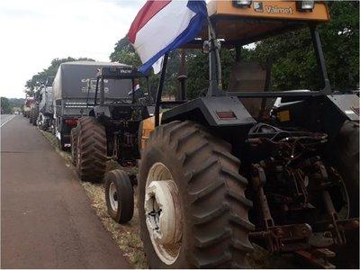 Productores levantan tractorazo tras acuerdo con el Gobierno
