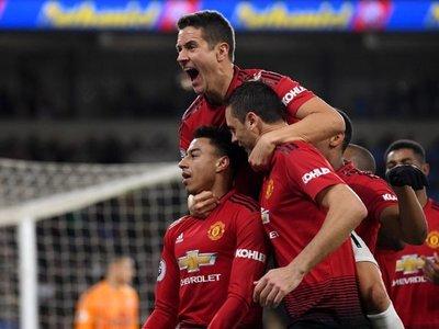 El United aplasta en el debut Solskjaer