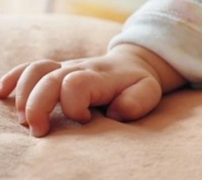 Mujer que habría abandonado a su bebé en Amambay escapa del Hospital