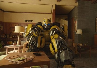 """La saga """"Transformers"""" regresa con """"Bumblebee"""""""