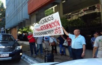 Jubilados exigen que el Ministerio Público