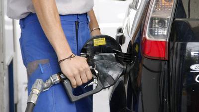 Emblemas privados también anuncian reducción de precios de combustibles
