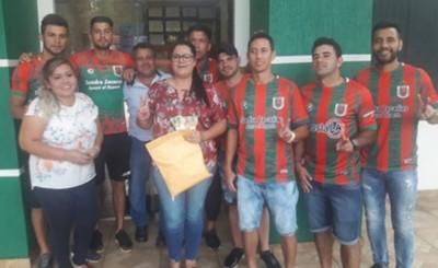 Jugadores del 13 de junio en nómina de funcionarios municipales