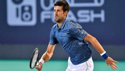 Djokovic supera a Khachanov