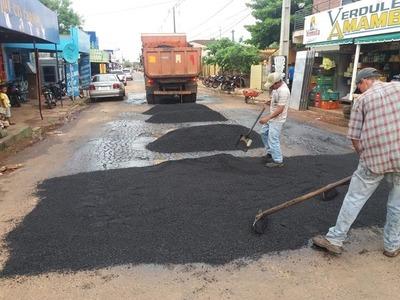 Comunicado municipal contradice versión de MOPC sobre remiendo de calle