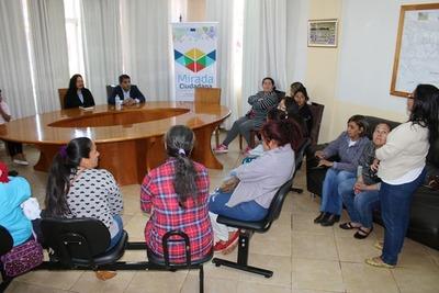 Organización Kuña Aty dona productos confeccionados al hospital de Franco