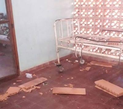 HOY / Cayó techo de albergue en hospital de Concepción y dejó un herido en la cabeza
