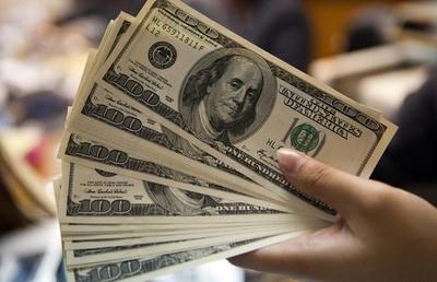 Suba del dólar es cuestión interna y coyuntural, dicen