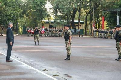 Jefe de Estado visitó el Regimiento del Escolta Presidencial