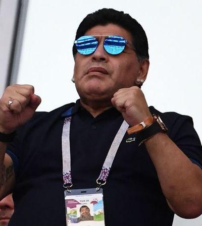 Internan a Maradona