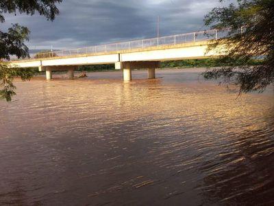 Pese a millones invertidos, agua del Pilcomayo va a la Argentina