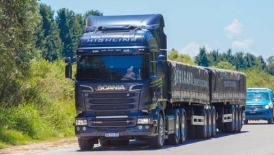 Camiones bitrenes no ingresarán al país