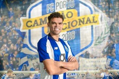 Porto hace oficial el fichaje de Pepe