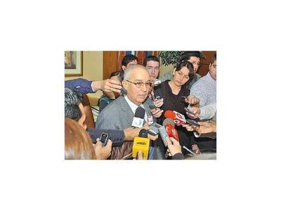 Bajac logra suspender su audiencia de imposición de medidas por caso coima