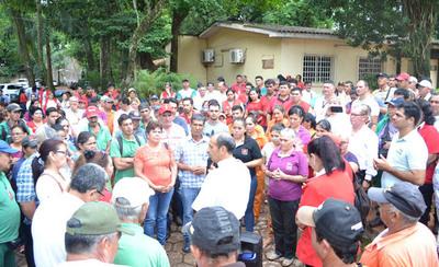 Los planilleros desvinculados de la Comuna de CDE piden su reposición