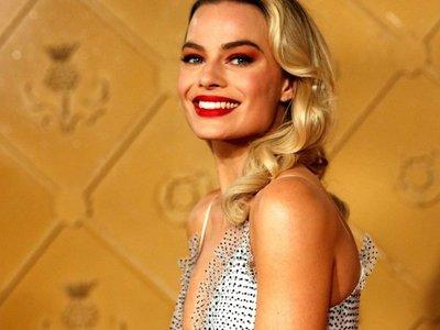 Margot Robbie interpretará a Barbie en una película no animada