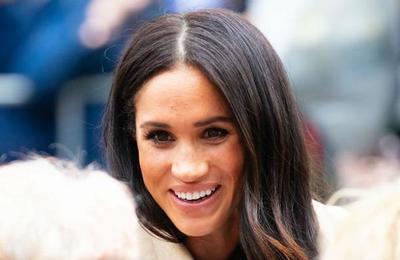 Esta es la modelo que podría ser la 'hermana gemela' perdida de Meghan Markle