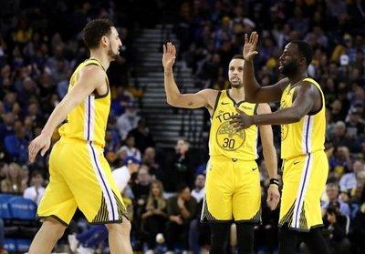 Warriors se exhiben; Raptors y Nuggets sufren