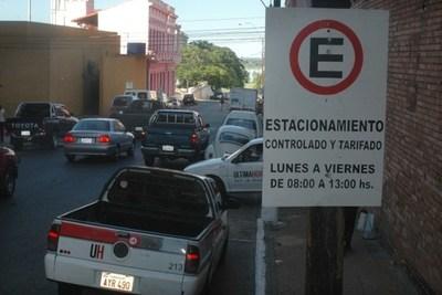 Comuna no descarta administrar sistema de estacionamiento tarifado