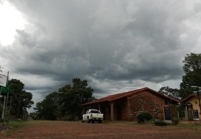 Meteorología emite alerta por tiempo severo para 11 departamentos