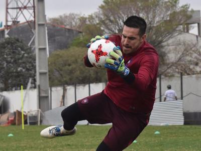 Antony Silva arregló con Huracán