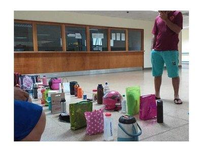 IPS: Con termos y bolsos guardan lugar en la fila