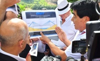 Verifican sitio donde ubicarán puente que unirá Pdte. Franco y Foz