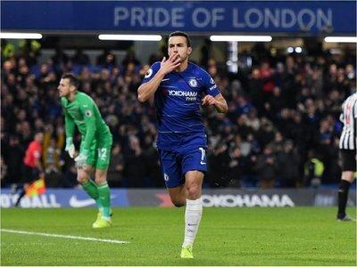 Pedro y Willian rescatan al Chelsea ante el Newcastle