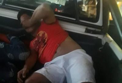 Hombre ataca a sus vecinos a tiros en J. Augusto Saldívar