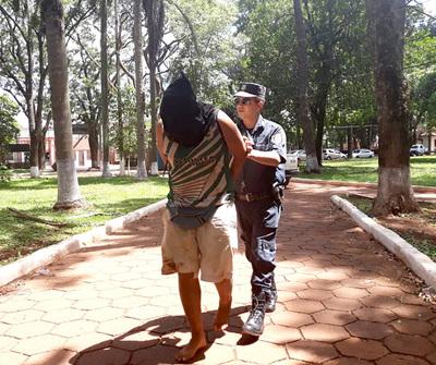 Sordomudo golpea salvajemente a sus padres y es detenido por la Policía