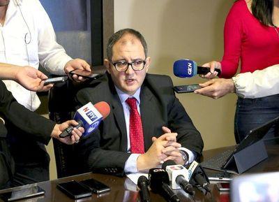 Otro de los abogados de McLeod critica a Llanes por mediatizar hallazgos