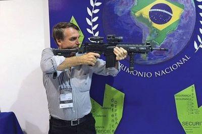 Bolsonaro flexibilizará la posesión de armas en Brasil, una gran promesa de campaña