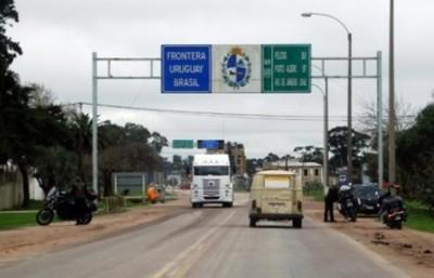 Caen dos paraguayos con droga en Uruguay